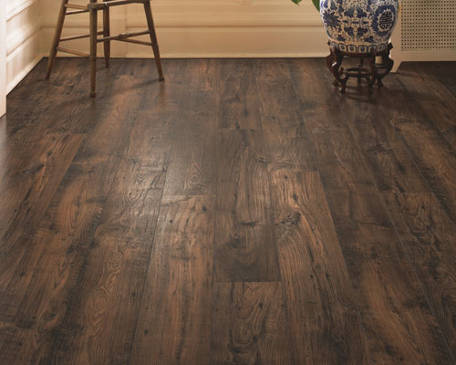 Laminate flooring provides a durable, affordable flooring choice for pet owners