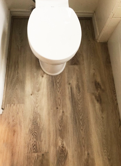 waterproof vinyl plank in the bathroom