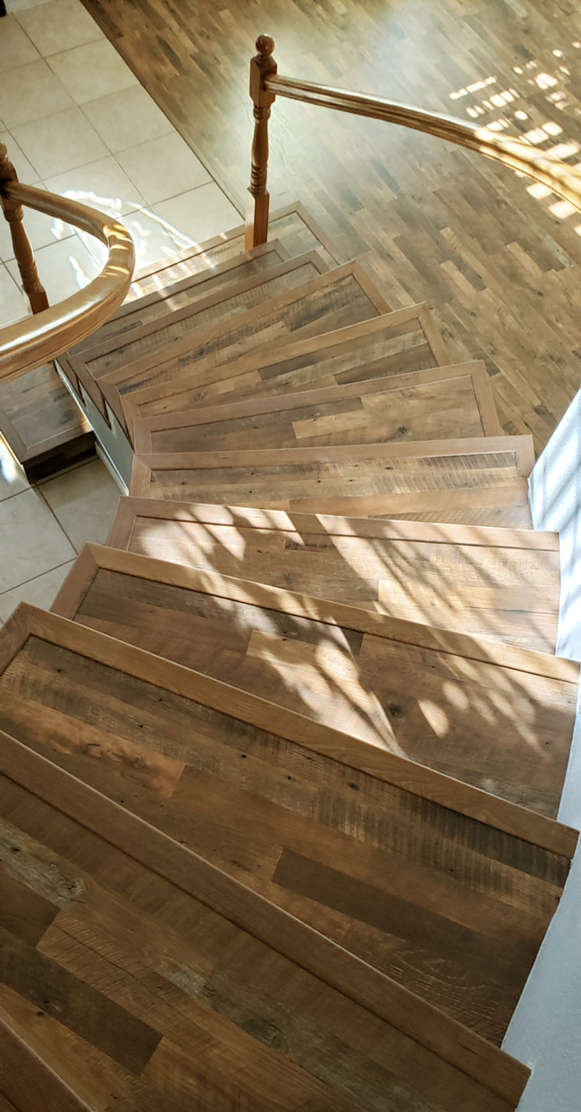 Staircase Gets A Gorgeous Makeover With Wood Laminate