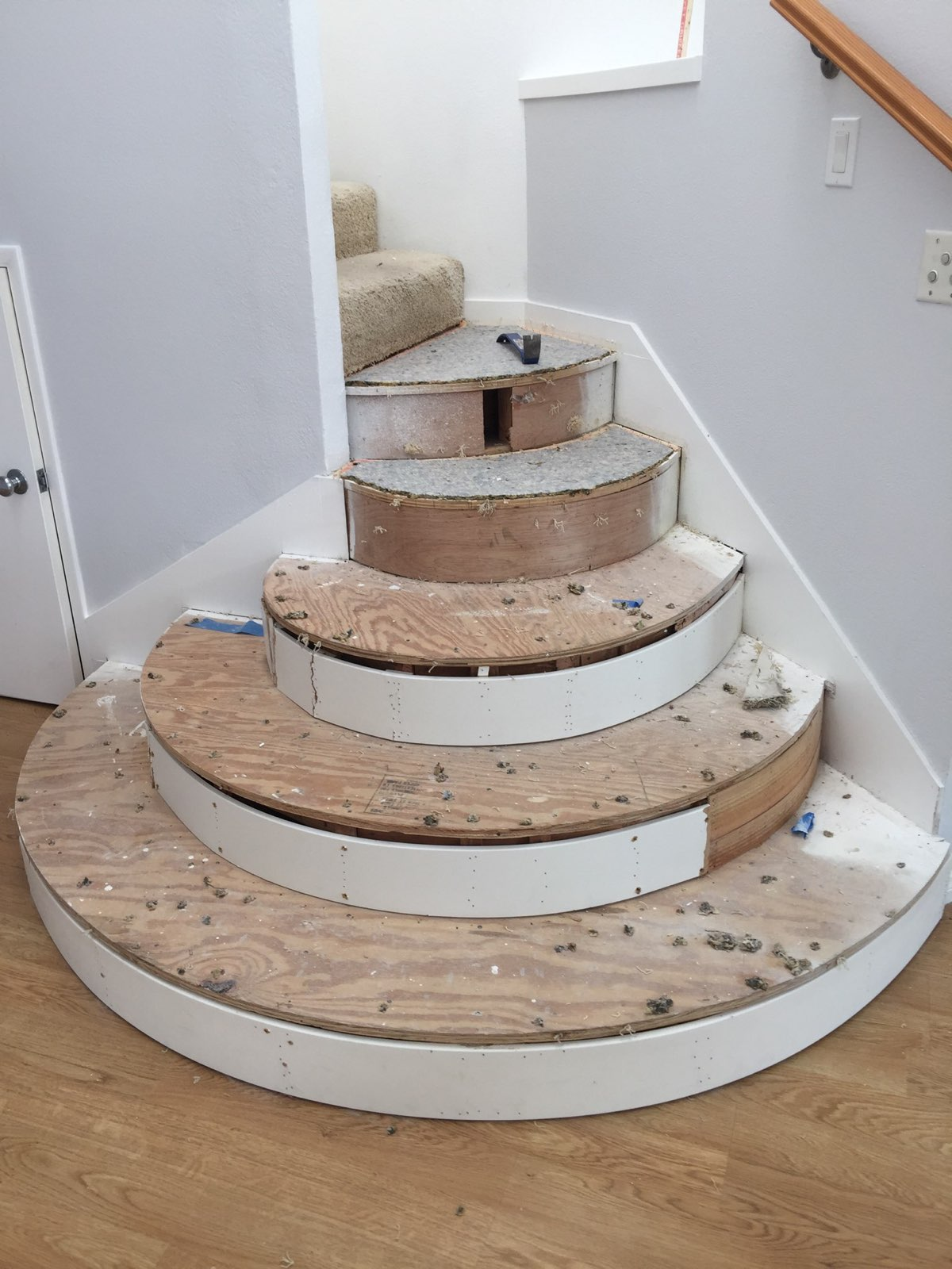 subfloor for rounded staircase