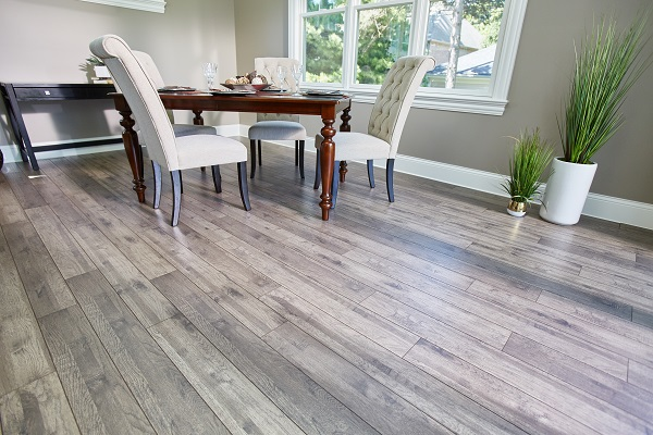 narrow planks laminate flooring in the dining room