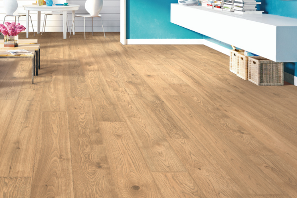 Oak wood laminate flooring for kitchens